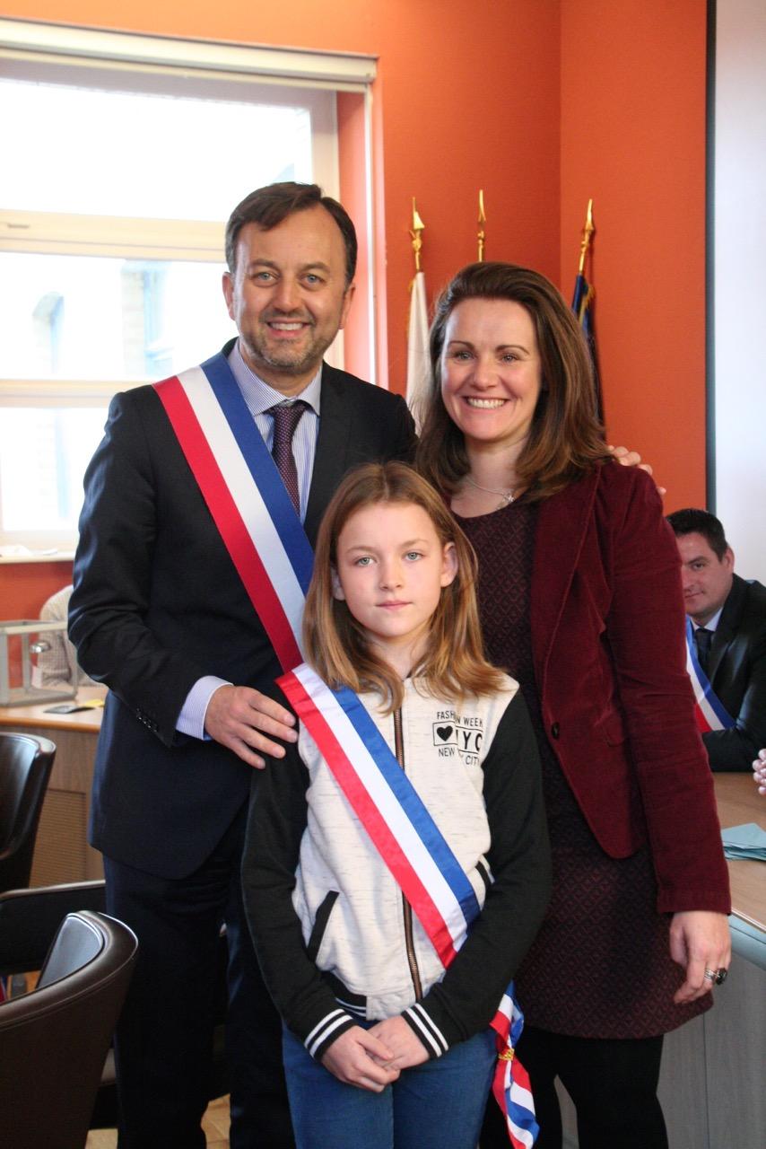 Jade François, mini maire de Saint- Omer, élève de l'école.
